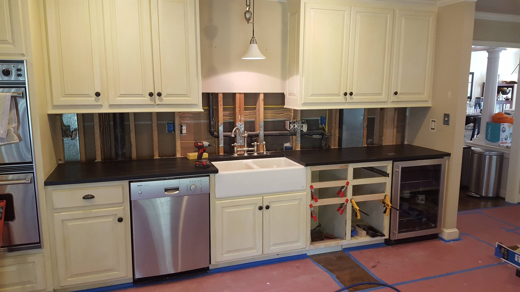 Kitchen cabinet repair service kitchen cabinets for Kitchen cabinets repair